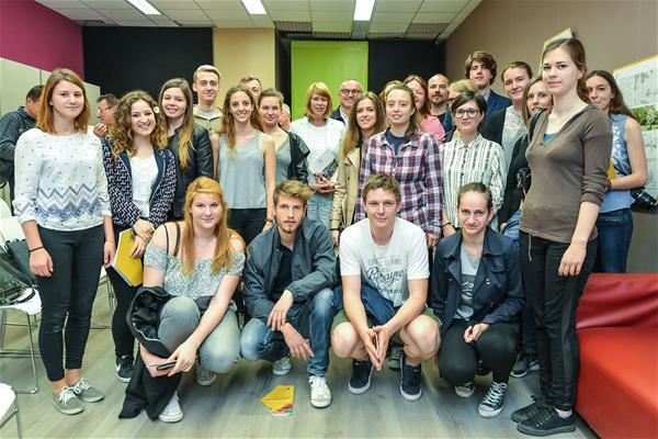 V ospredju: študenti seminarja Dešman na FA